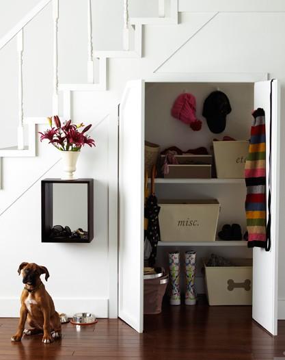 Как сделать шкаф под лестницей своими руками на даче