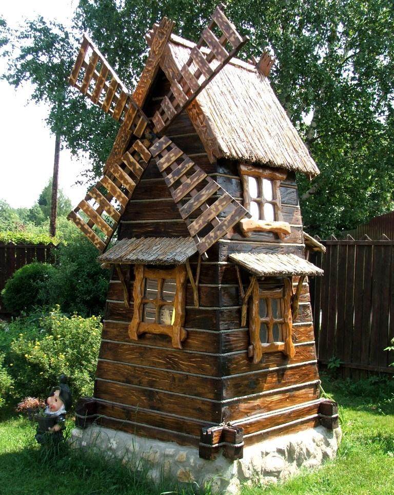 Декоративная мельница на даче своими руками фото