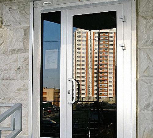 Офисные двери: межкомнатные, стеклянные, металлические, плас.