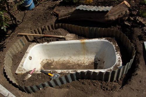 Пруд из ванны своими руками