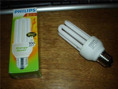 Почему после выключения энергосберегающие лампочки мигают