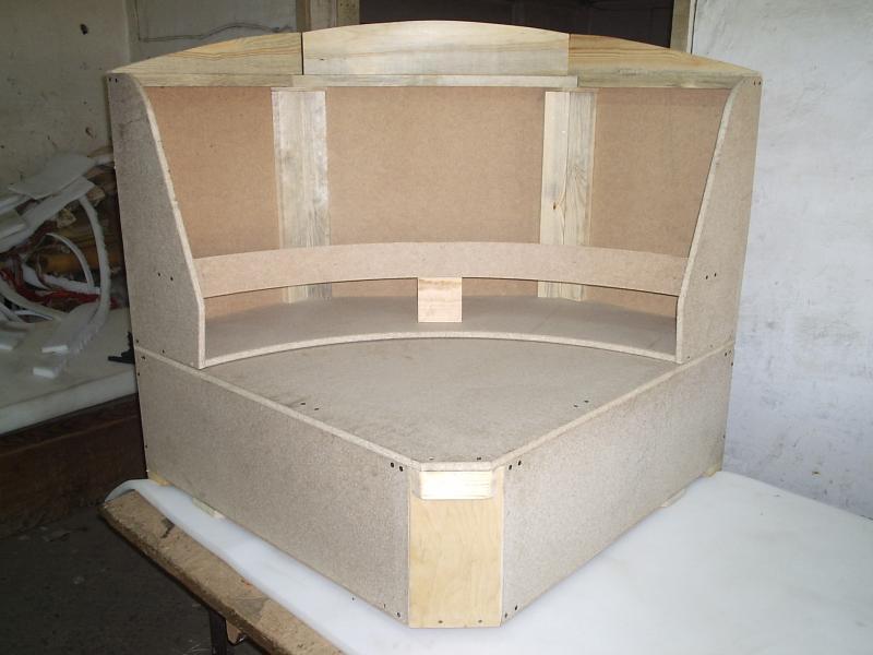 Как сделать мягкий диванчик на кухню своими руками