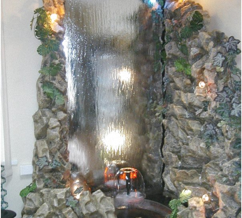 Декоративные водопад по стеклу своими руками