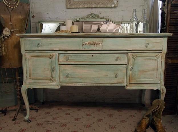 Как покрасить мебель своими руками под старину