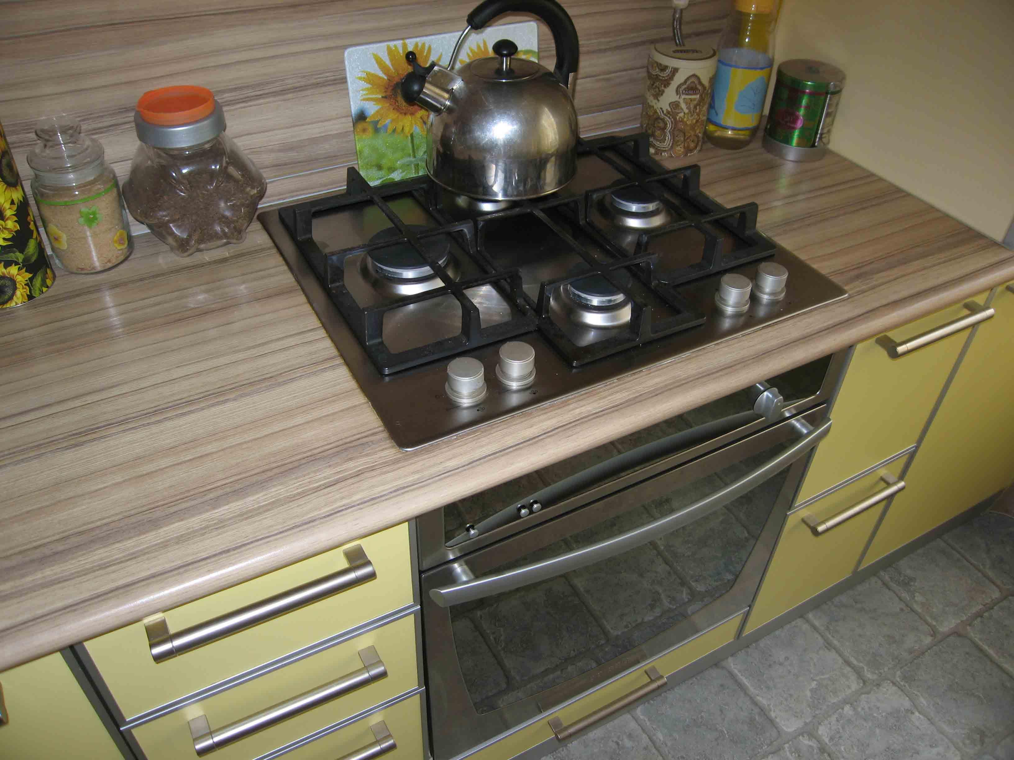 кухни со светлыми столешницами фото