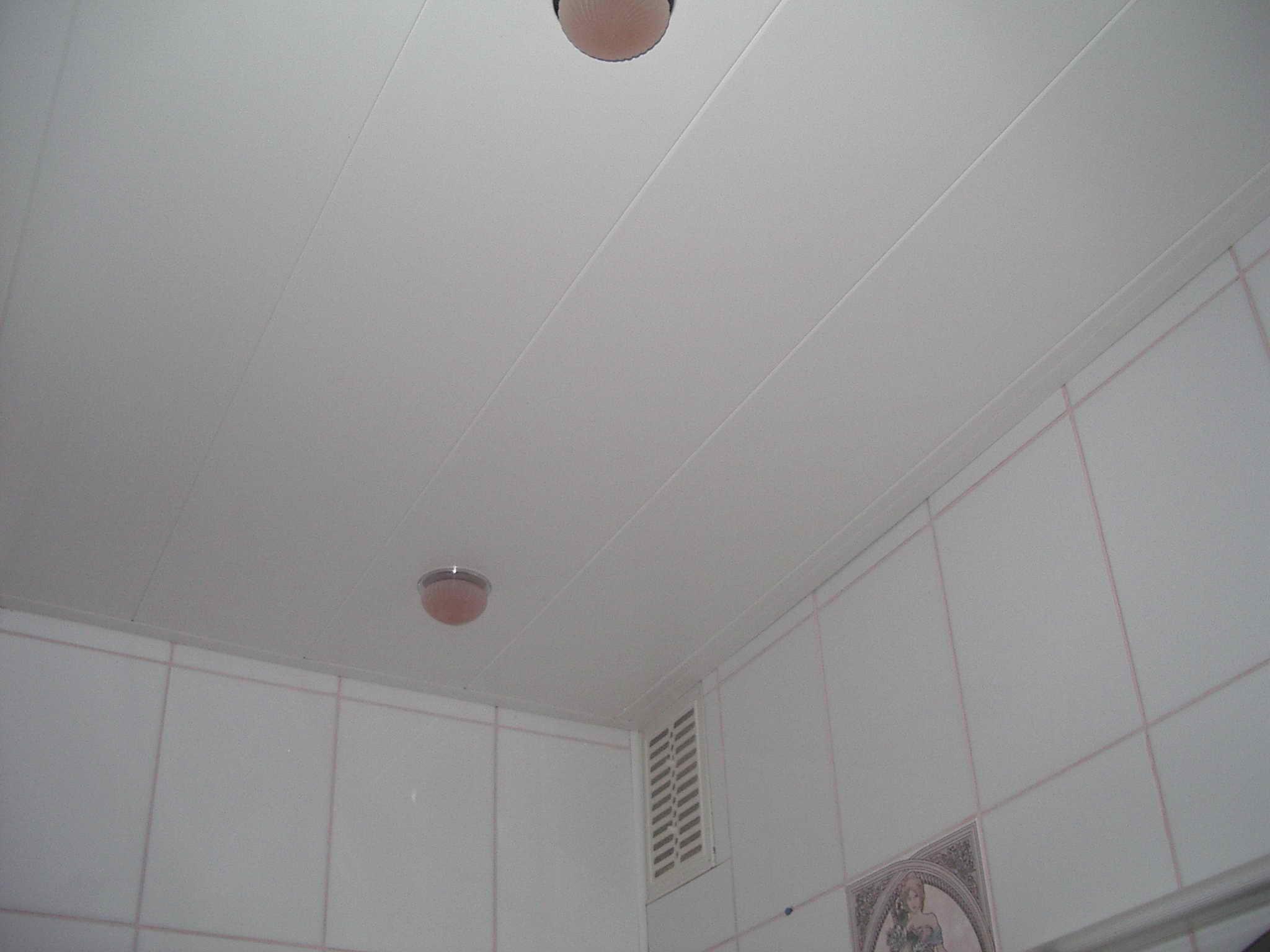 Пластиковые панели для потолка своими руками