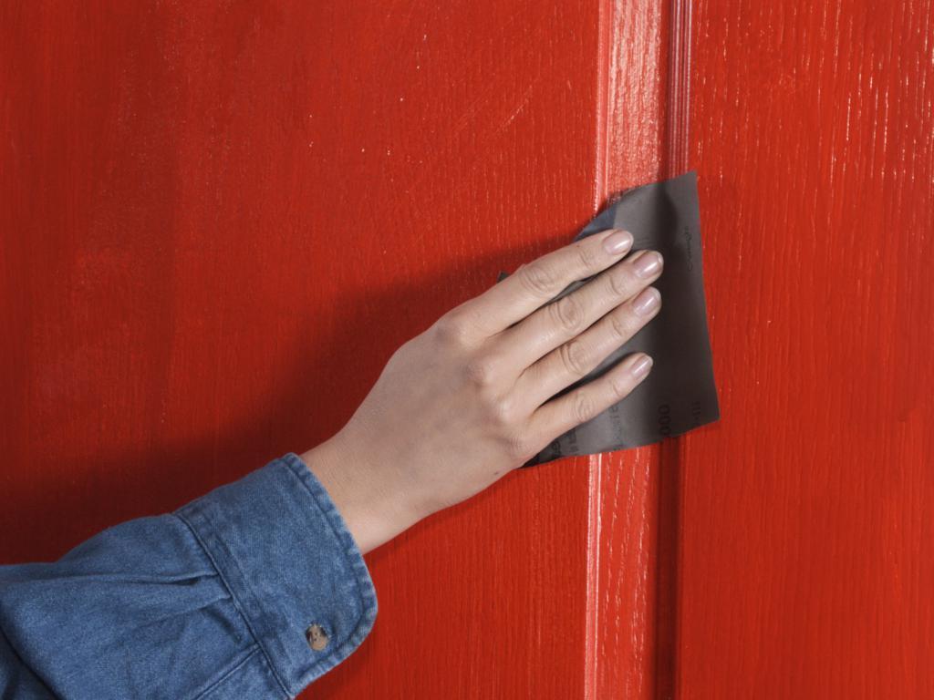Как обновить деревянную дверь своими руками фото