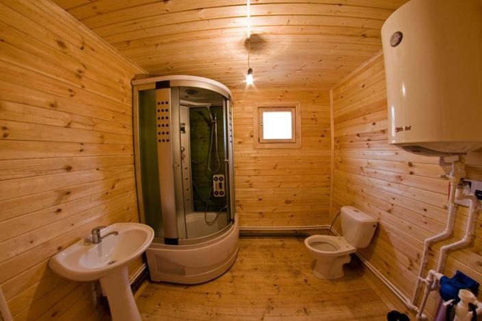Ванна в деревянном доме своими руками