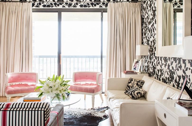 Черно белая гостиная какие шторы