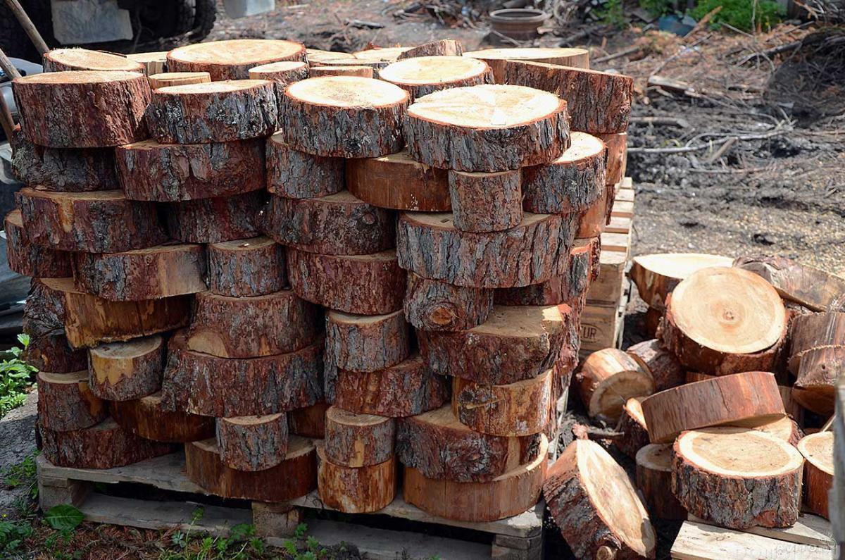 Как сделать стол из деревянных спилов своими руками 33