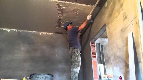 Штукатурка потолка своими руками. Как штукатурить потолок: инструкция. Особенности штукатурки бетонного потолка. Пошаговая инстр