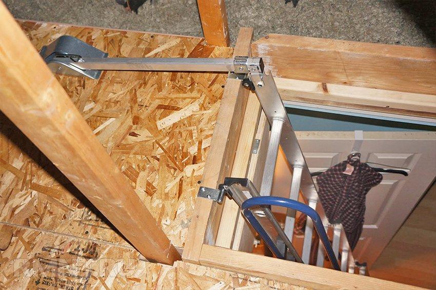 Чердачной лестницы с люком своими руками