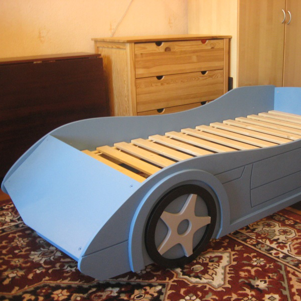 Детские кровати в виде машин своими руками 76